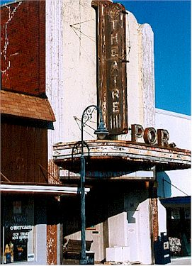 Port St Joe Theater.jpg (33923 bytes)