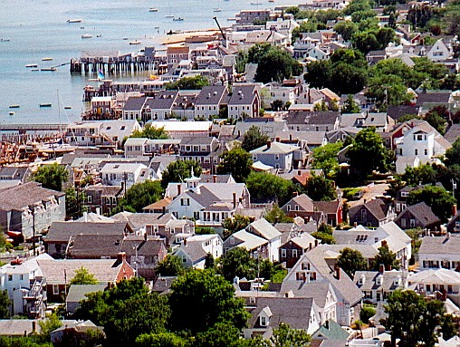 cc Provincetown from the Pilgrim Memorial.jpg (128005 bytes)